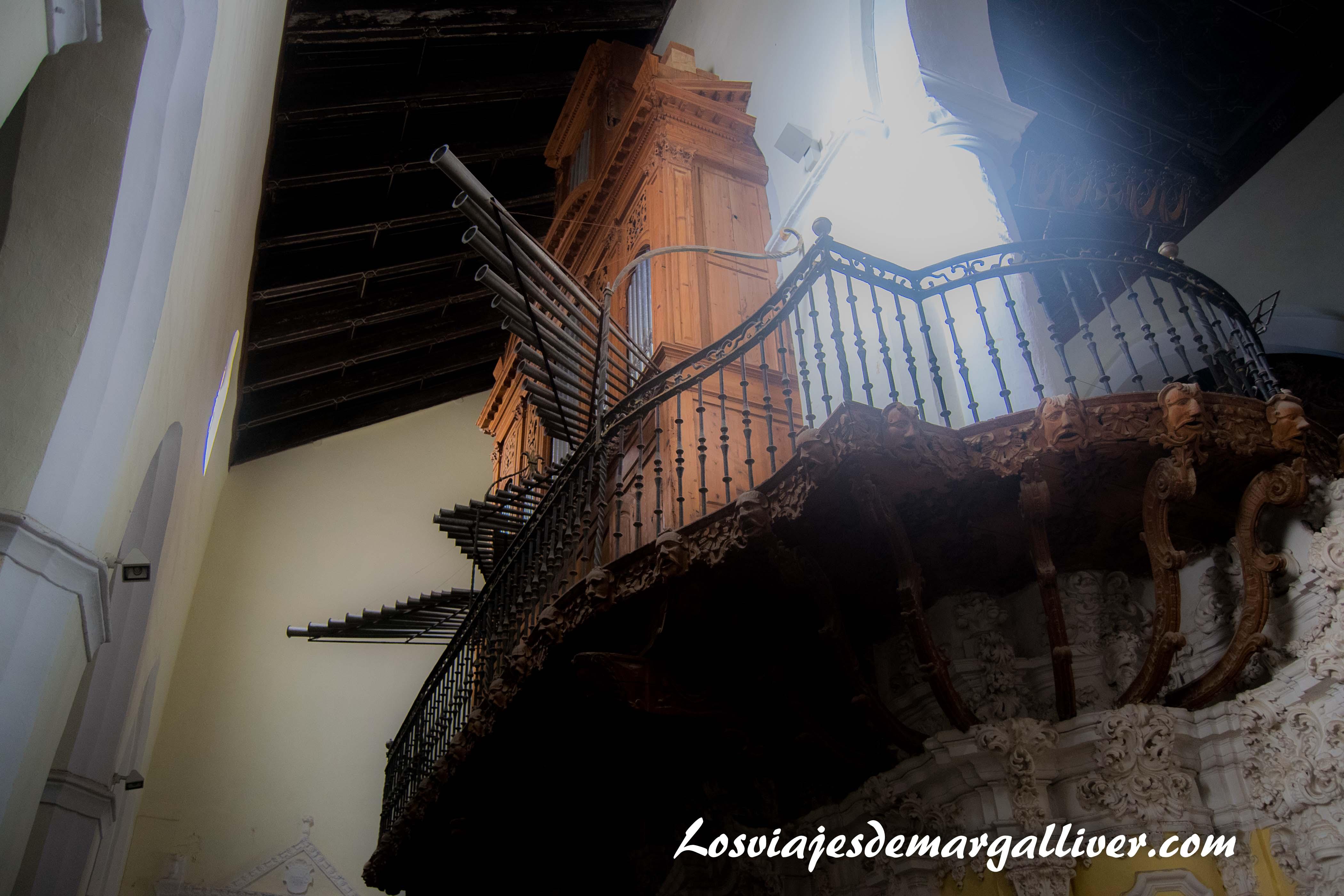 Órgano de la iglesia de San Juan Bautista, a una hora de - Los viajes de Margalliver